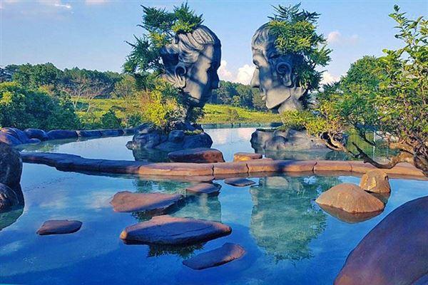 Đà Lạt- Thung Lũng Tình Yêu- Hoa Sơn Điền Trang- Mê Linh Garden- Đường Hầm Đất Sét- Cồng Chiêng Tây Nguyên